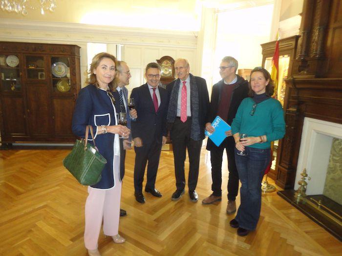 Reunion de los Consejeros de la Rioja con periodistas.