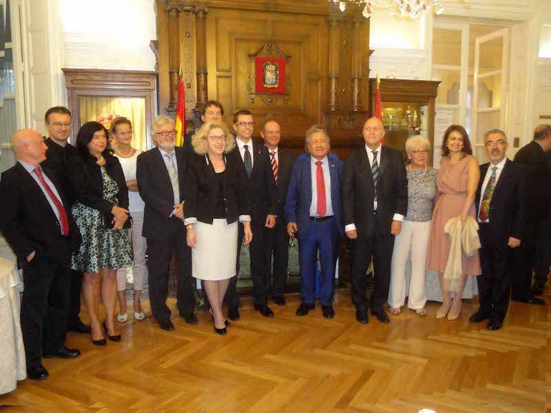 Primera Cata de Embajadores en el Centro Riojano de Madrid