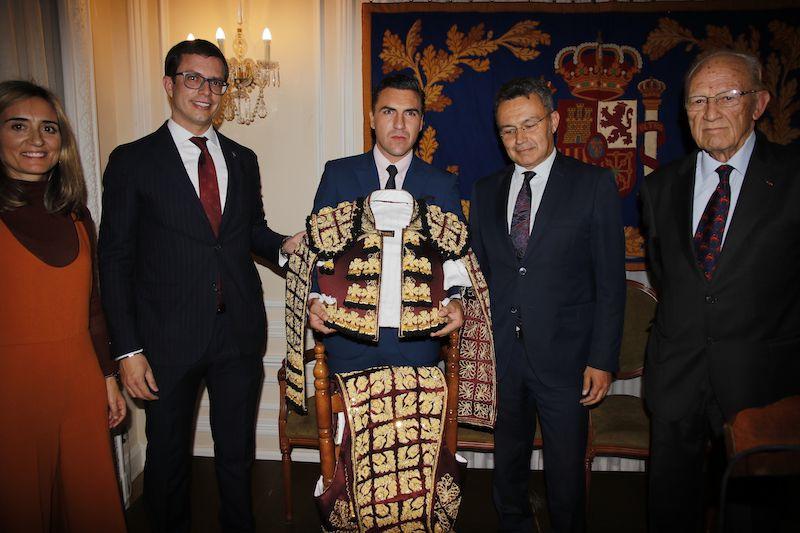 """ENTREGA DE LA XVI EDICIÓN DEL """"TROFEO VESTIDO DE LUCES RIOJA Y ORO"""""""