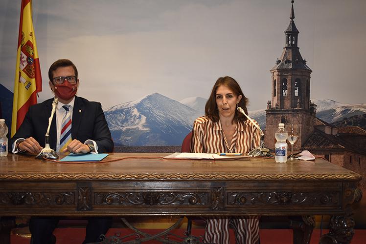 """CONFERENCIA DE ROSA FERNÁNDEZ """"LOGROÑO 2021: EL AÑO DE LAS LUCES"""""""